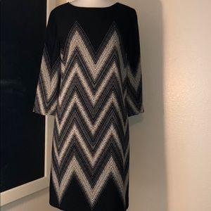 Tahari diamond black and cream w/ leather details